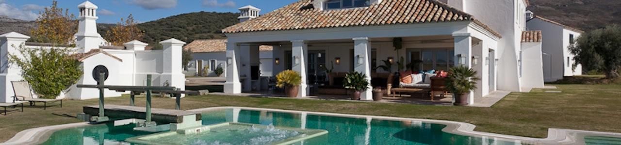cortijo, piscina y jacuzzi exterior